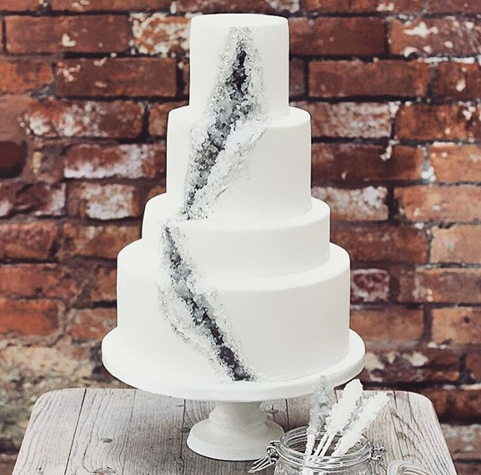 Simple Black And White Wedding Cake Designs