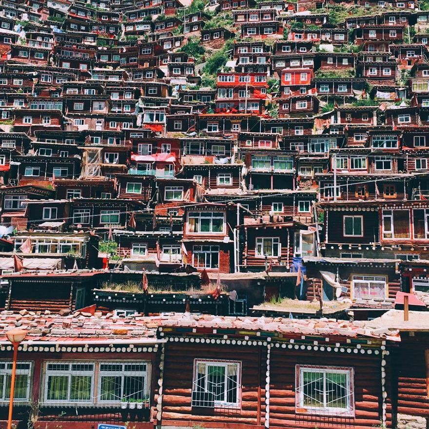 Shiyang Han From Beijing, China, 3rd Place, Travel