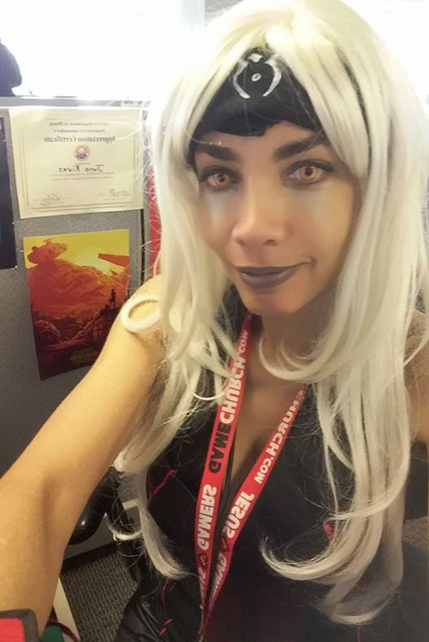 This Woman's Boss Told Her Headscarf Was 'Unprofessional' So She Went To Work In Cosplay