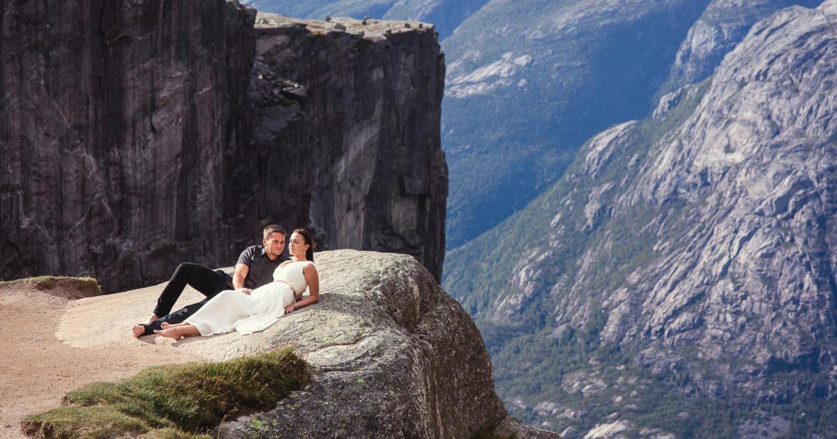 I Captured Couples Photoshoot On The Kjerag Rock, Norway