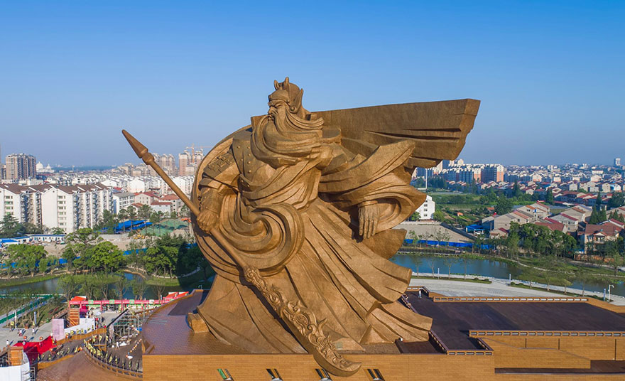 China Unveils Epic 1,320-Ton God Of War Statue | Bored Panda