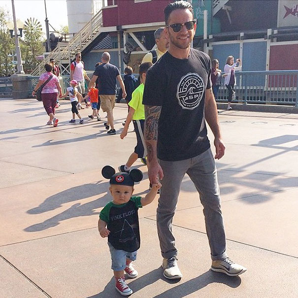 The Hottest Dads At Disneyland