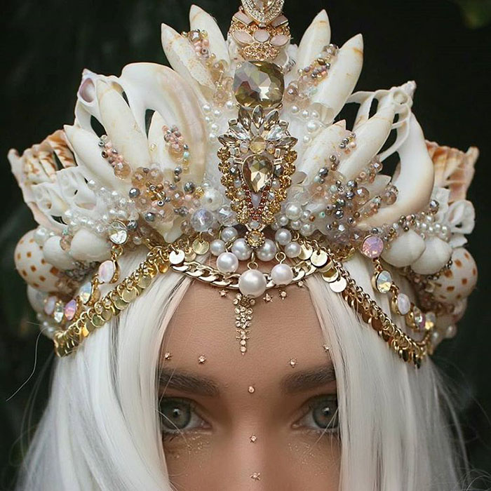 Mermaid Crowns With Real Seashells Are Taking Internet By