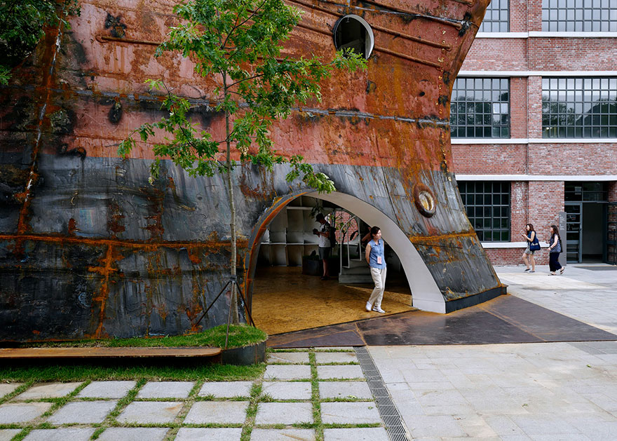 old-ship-transformed-into-building-shinslab-architecture-7
