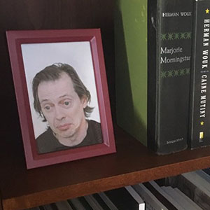 Son Secretly Replaces Family Photos With Steve Buscemi And His Mum Doesn't Notice It