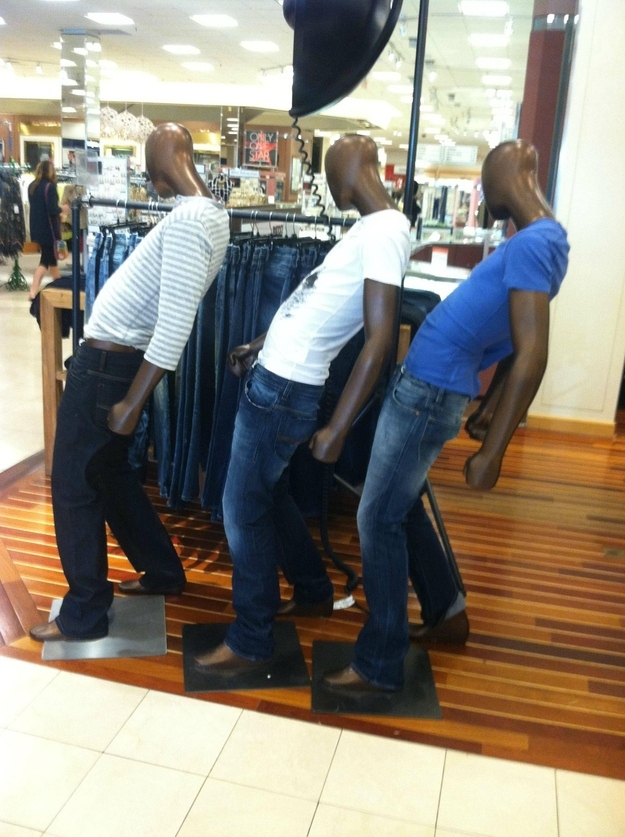three-funny-mannequins-photoshop-battle