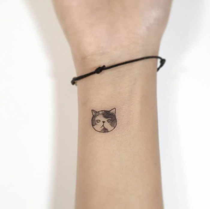 13 minimalist tattoos by a korean artist bored panda. Black Bedroom Furniture Sets. Home Design Ideas