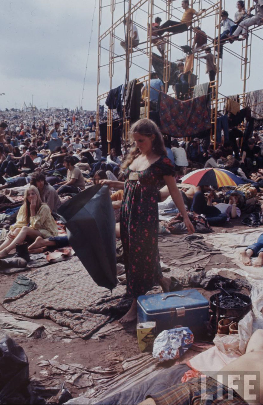an introduction to the history of woodstock in 1969 1969 was the year richard nixon took office, neil armstrong walked on the moon, and on aug 15, 16, and 17, hordes of flower children streamed into a sleepy farm in upstate new york for what.