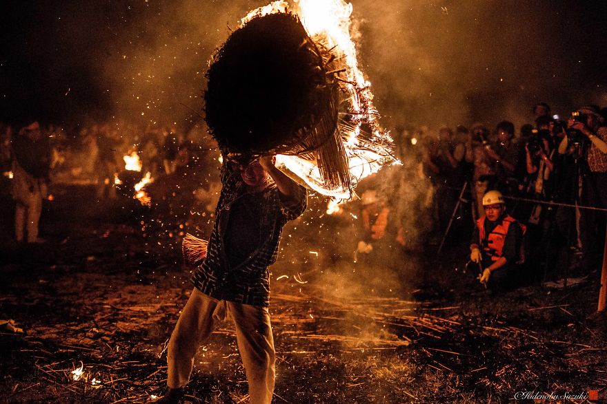 I Photographed The Traditional Fire Festival In Japan