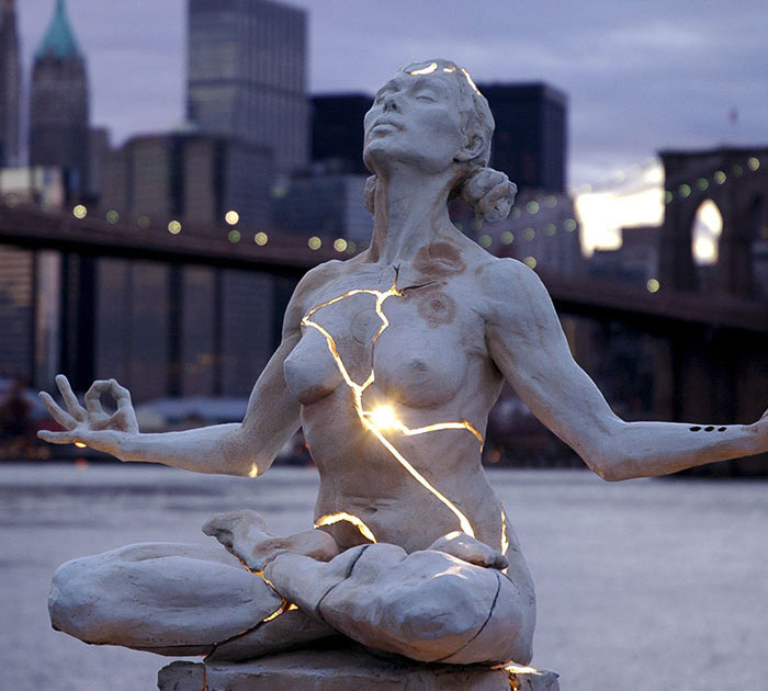 10+ Of The Most Amazing Sculptures In The World