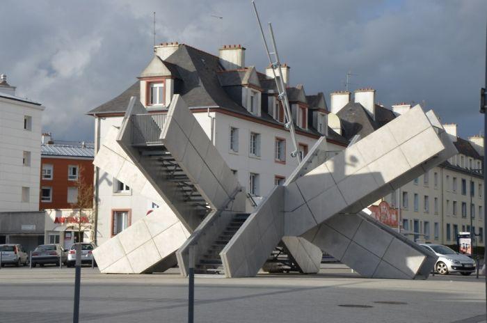 """""""les Jetées"""" In Brest (france), Nominated As """"golden Wart"""" In France.."""