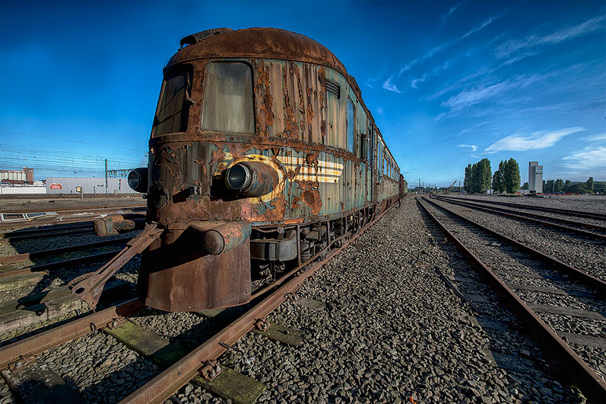 abandoned-orient-express-train-urban-exploration-brian-belgium-8