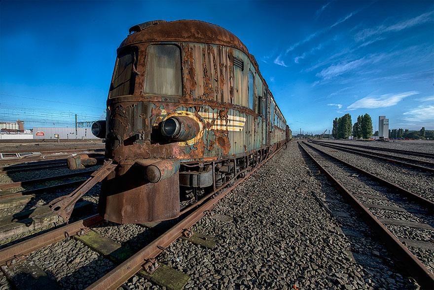 abandoned-orient-express-train-urban-exploration-brian-belgium-8