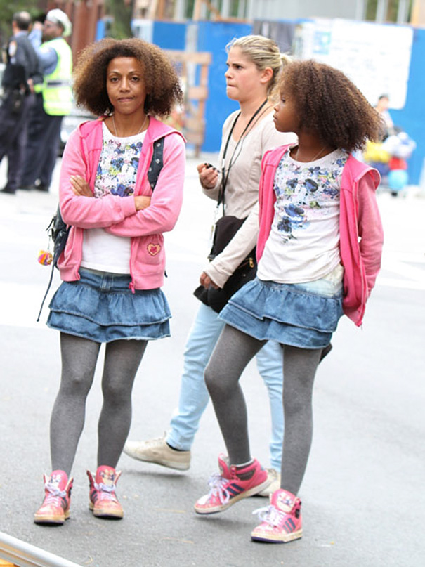 Quvenzhané Wallis With Stunt Double On The Set Of Annie