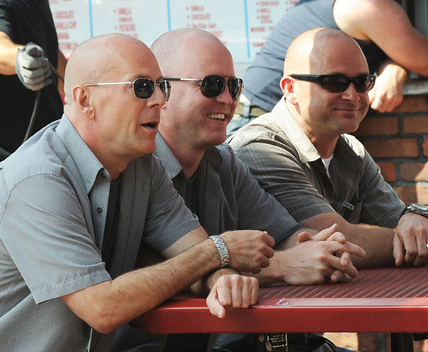Bruce Willis And His Doubles On The Set Of A Couple Of Dicks