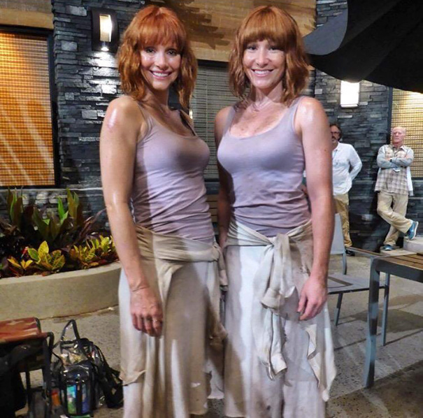 Bryce Dallas Howard And Stund Double Whitney Coleman On The Set Of Jurassic World