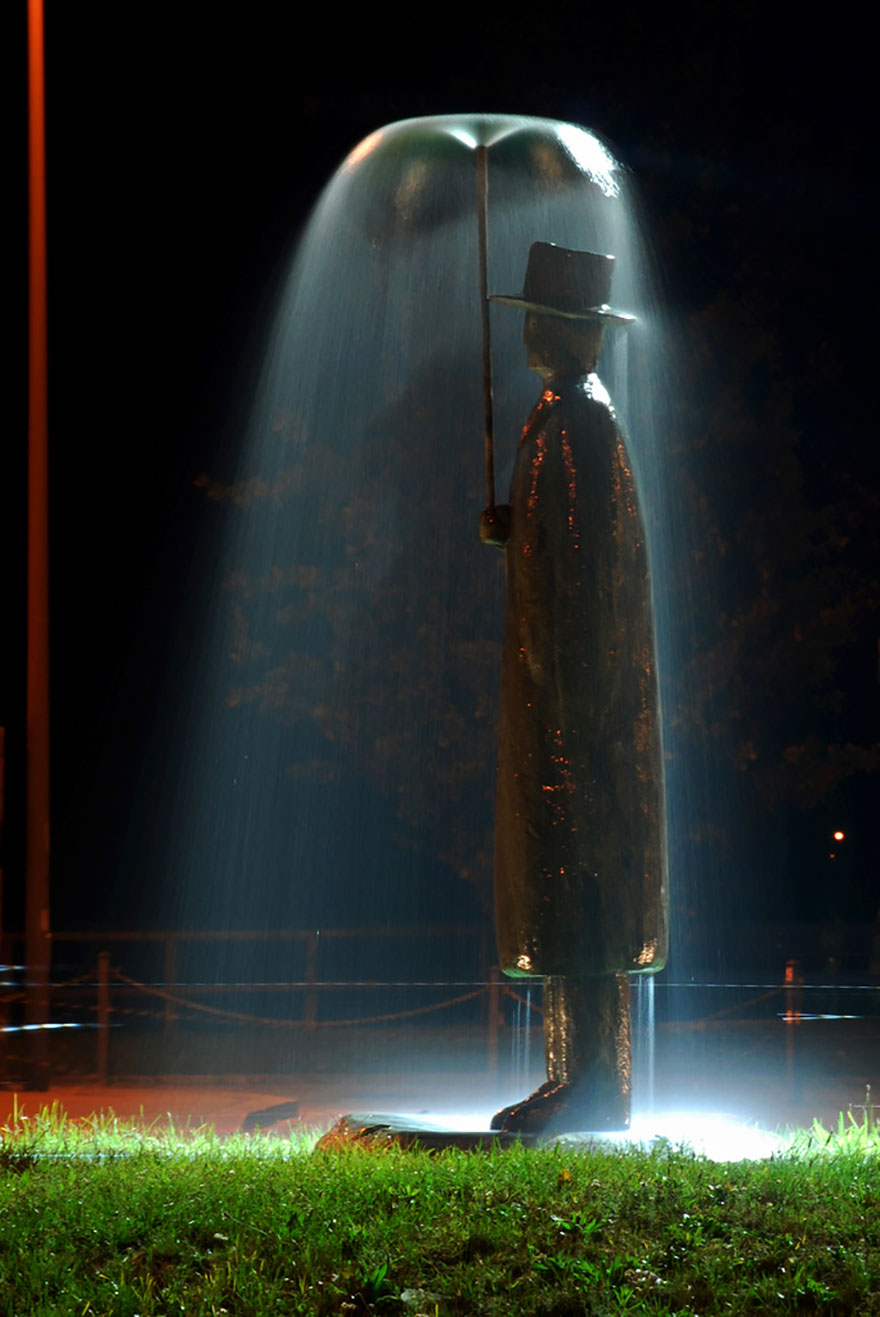 El hombre de la lluvia por Jean-Michel Folon, Italia