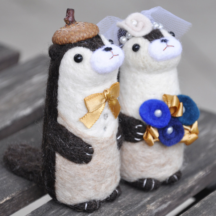 I Make These Personalized Wedding Otters That Matches The Couple's Wedding Style