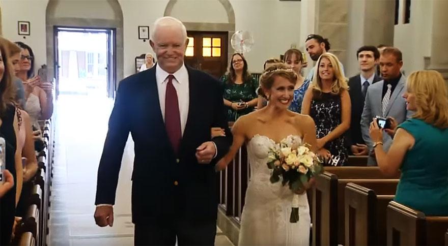 donated-dad-heart-wedding-walk-down-aisle-jeni-lynne-arthur-thomas-1a