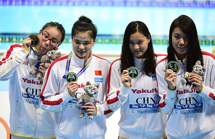 funny-geeky-china-swimmer-fu-yuanhui-rio-olympics-6