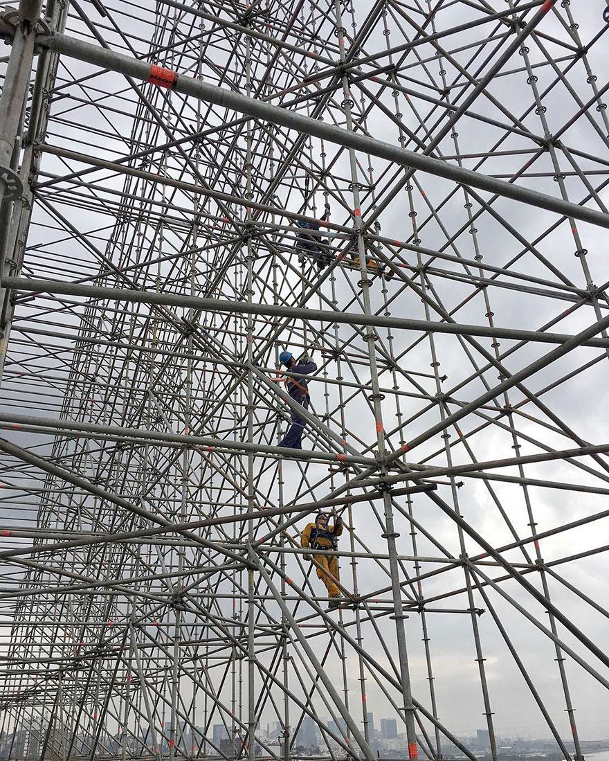 giant-athlete-art-installation-olympics-rio-de-janeiro-jr-3