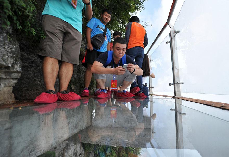 glass-bridge-zhangjiajie-national-forest-park-tianmen-mountain-hunan-china-9
