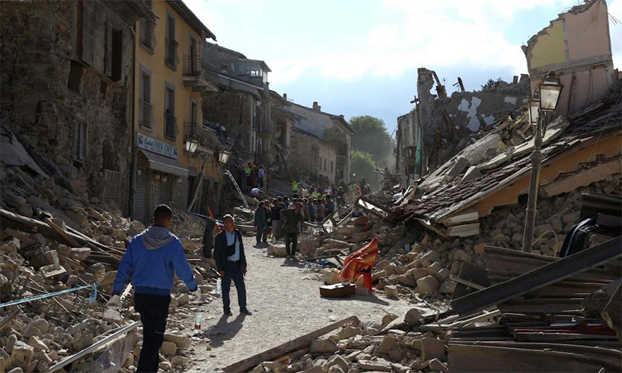 Italie, tremblement de terre de 6,2 Italy-earthquake-before-after-10
