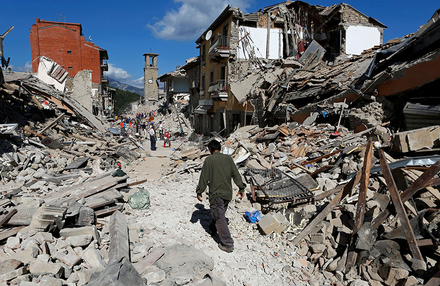 Italie, tremblement de terre de 6,2 Italy-earthquake-before-after-12