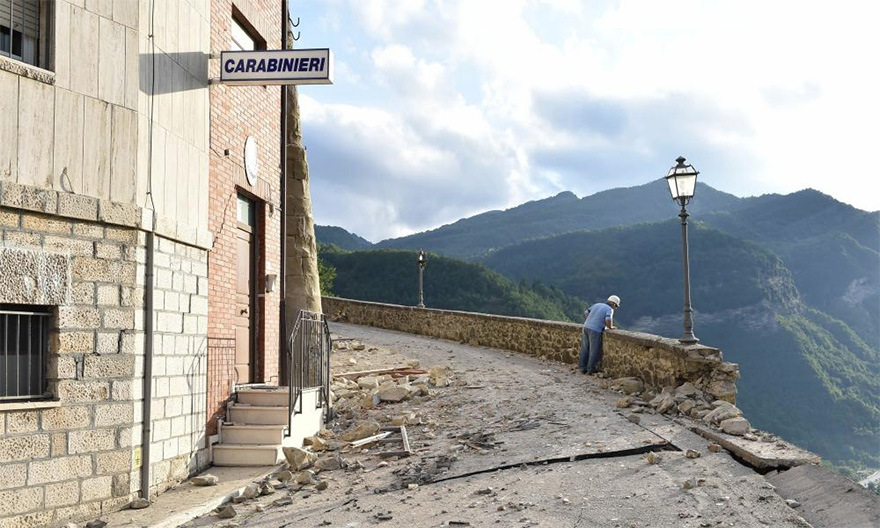 Italie, tremblement de terre de 6,2 Italy-earthquake-before-after-14