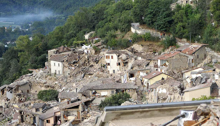Italie, tremblement de terre de 6,2 Italy-earthquake-before-after-21-1