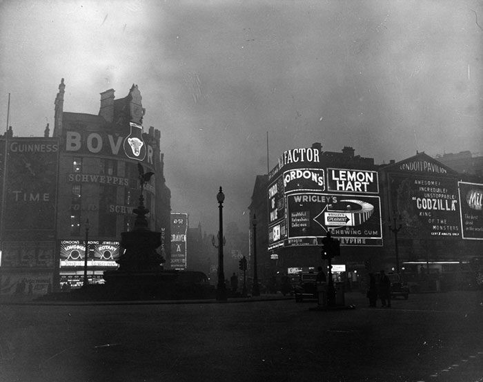 Piccadilly Circus, 20 December 1956