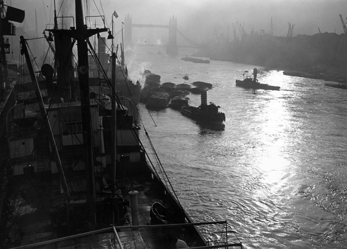 The Sun Comes Through At The Pool Of London, 26 October 1938