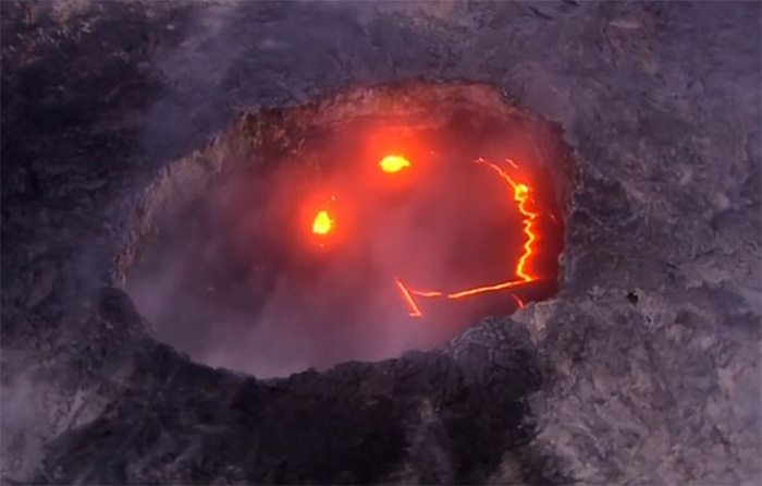smiling-volcano-eruption-paradise-helicopters-hawaii-1
