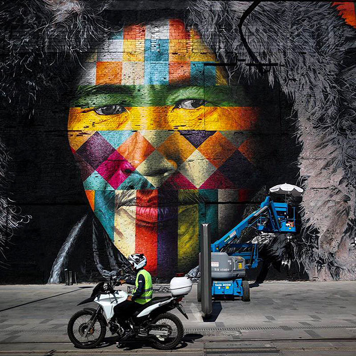 brazilian graffiti artist creates world�s largest street