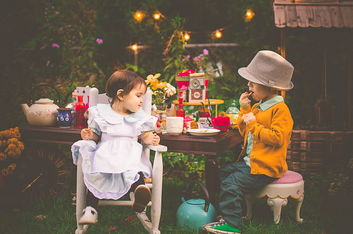 Toddlers' Birthday Photoshoot Alice In Wonderland Style