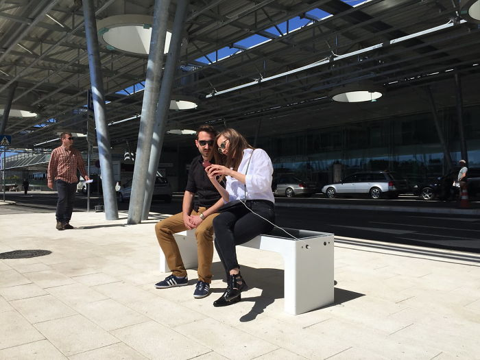 Steora - Solar Smart Bench With Phone Charger And Internet