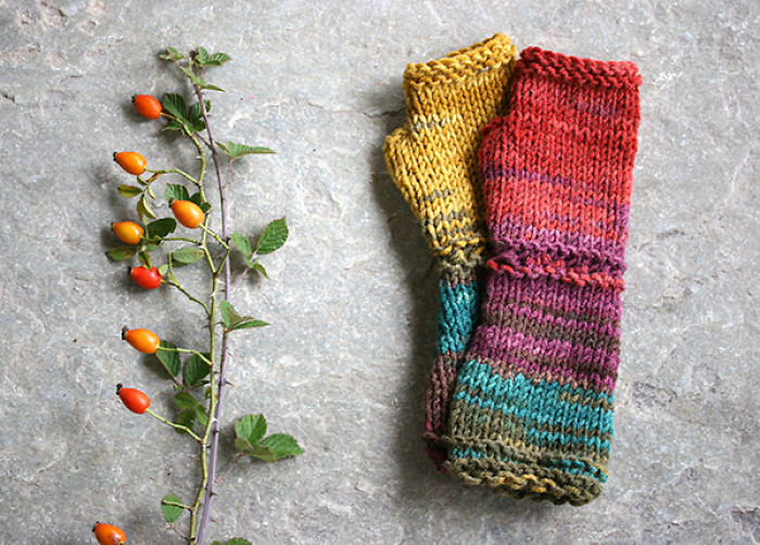 Fun And Colorful Knitted Gloves For Autumn And Winter