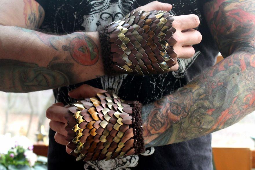 Fiber Artist Knits Aluminum Scales Into Wearable Art