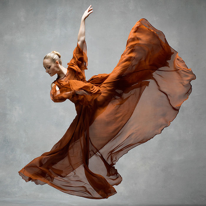 194 Breathtaking Photos Of Dancers In Motion Reveal The Extraordinary Grace Of Their Bodies