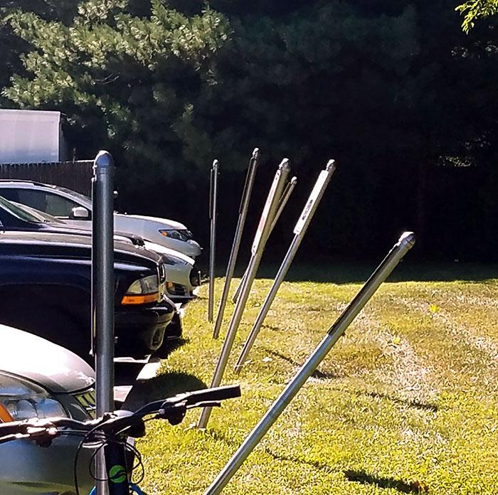 bent-parking-signs-laser-eye-surgery-center-brentwood-1