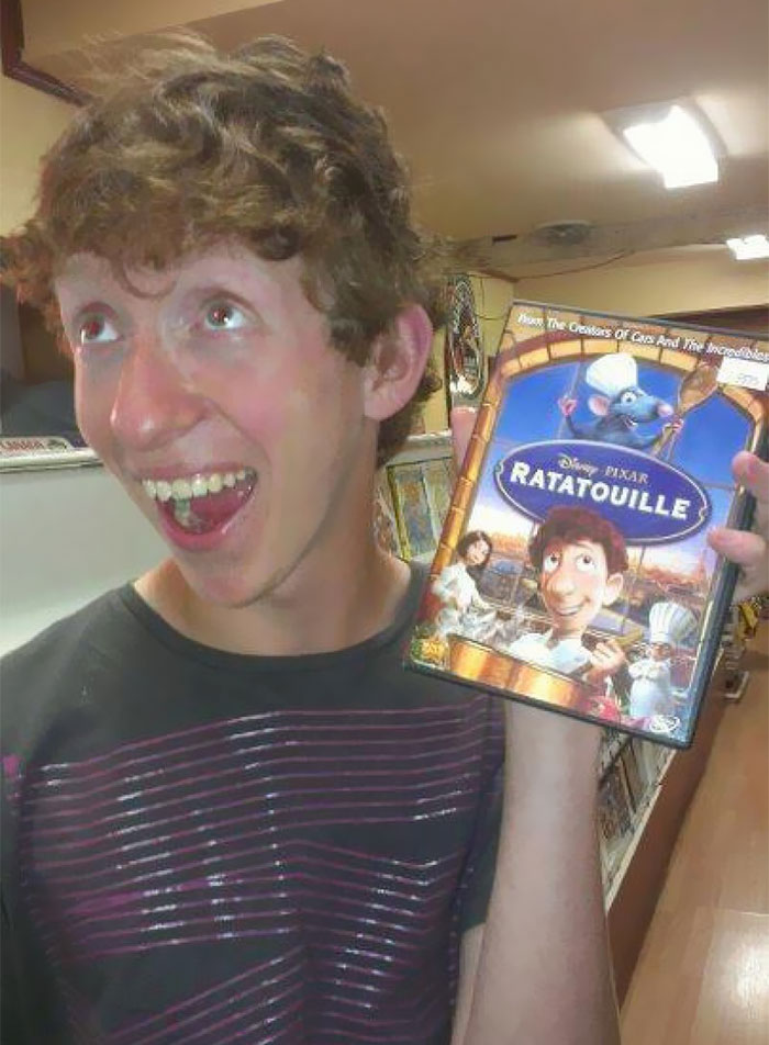 Este chico se parece a Linguini de Ratatouille