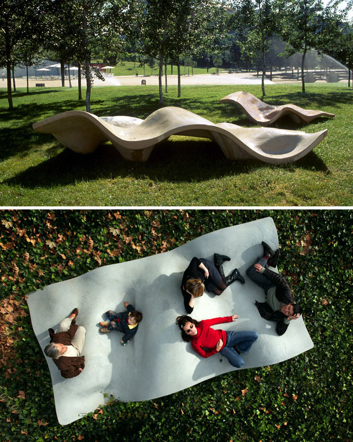 Lungo Mare Bench