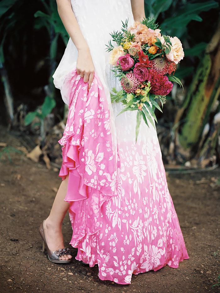 dip-dye-wedding-dress-trend-11-57cdba849889e__700.jpg