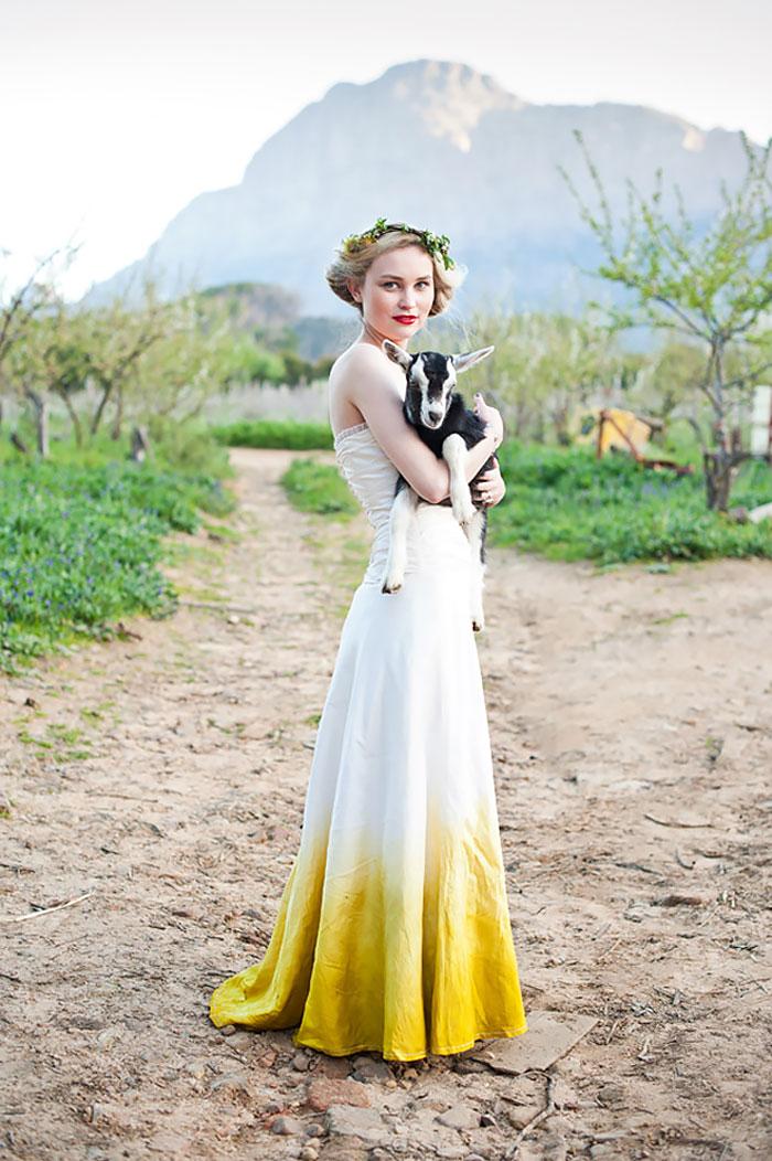 dip-dye-wedding-dress-trend-13-57cdba88e3d58__700.jpg