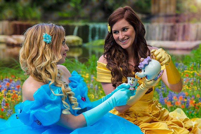 fairytale-engagement-princess-gay-photoshoot-yalonda-kayla-solseng -4