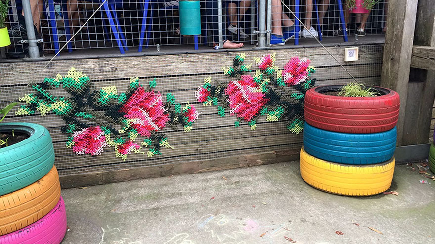 floral-cross-stitch-street-installations-raquel-rodrigo -13