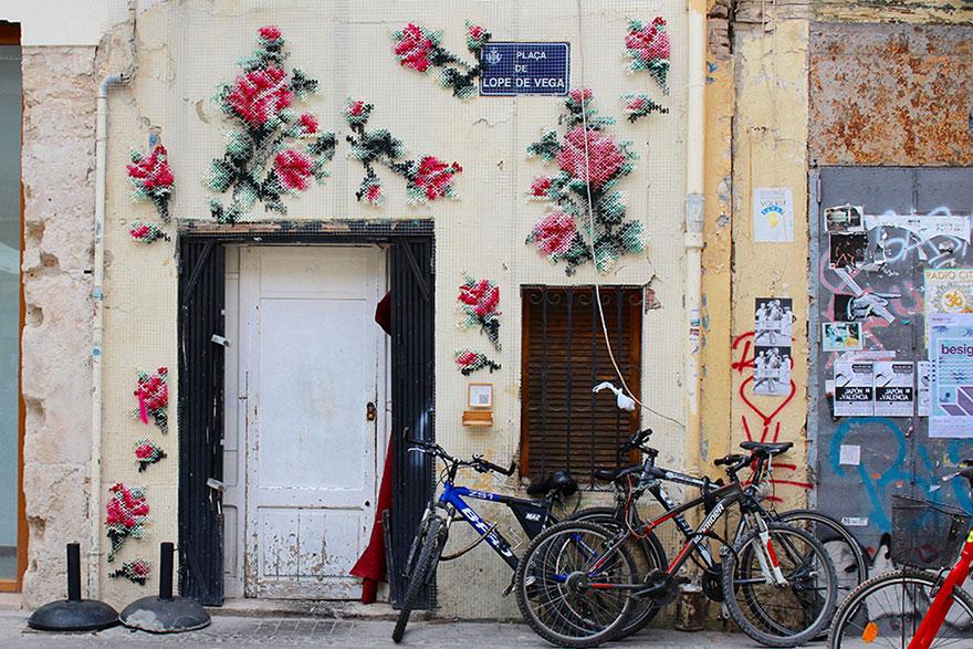 floral-cross-stitch-street-installations-raquel-rodrigo -7