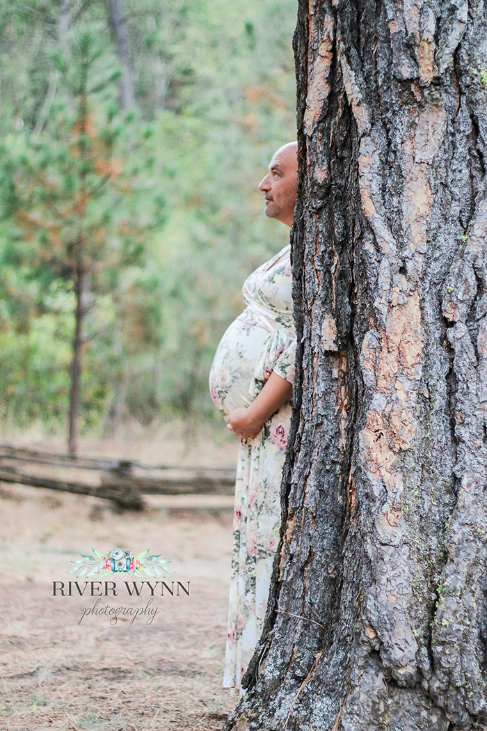 funny-maternity-photoshoot-river-wynn-1