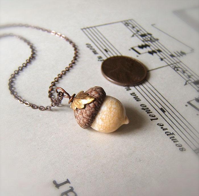 glass-acorn-jewelry-necklaces-earrings-bullseyebeads-10
