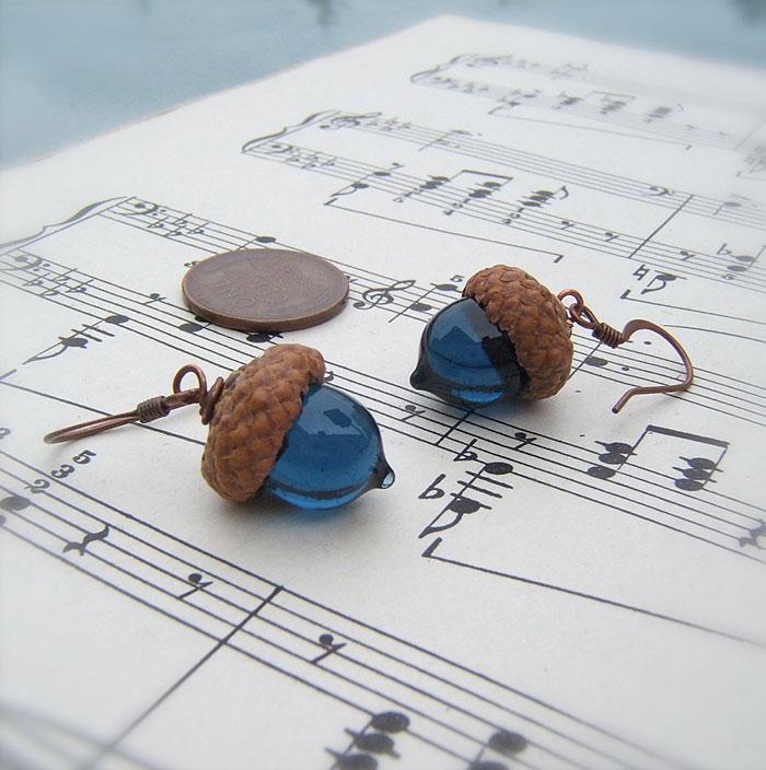 glass-acorn-jewelry-necklaces-earrings-bullseyebeads-2
